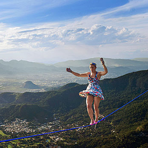 Women Slacklining the World